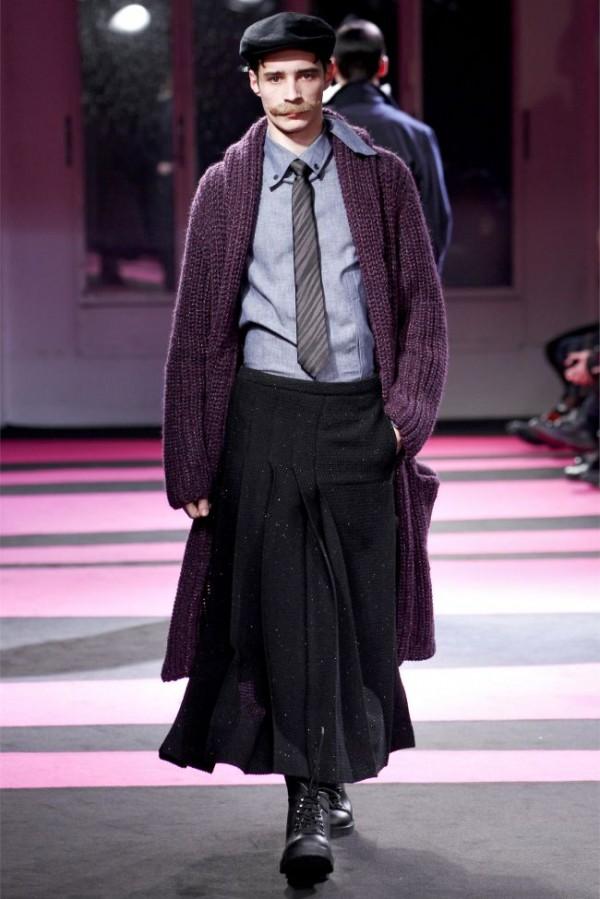 Yohji-Yamamoto-Fall-Winter-2013-2014-Menswear-11-600x899