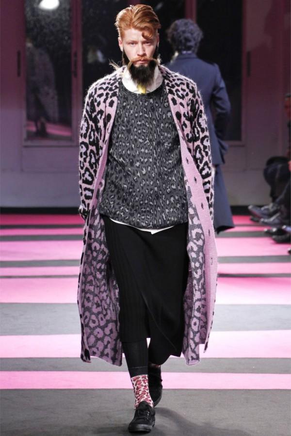 Yohji-Yamamoto-Fall-Winter-2013-2014-Menswear-18-600x899