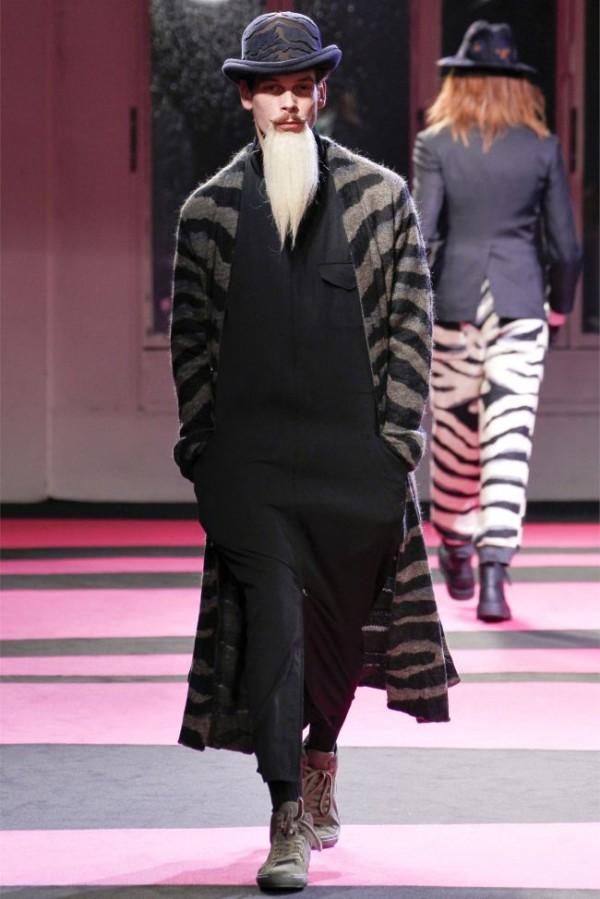 Yohji-Yamamoto-Fall-Winter-2013-2014-Menswear-20-600x899