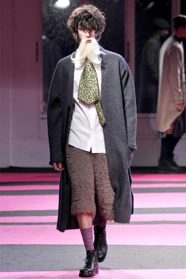 Yohji-Yamamoto-Fall-Winter-2013-2014-Menswear-39-600x899