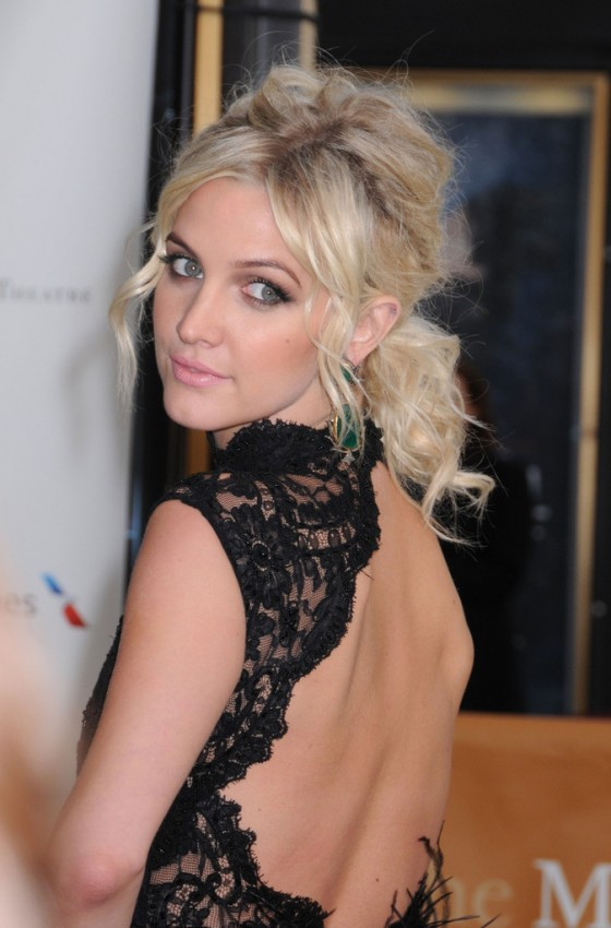 Ashlee-Simpson---2013-American-Ballet-Theatre-opening-night--03-560x850