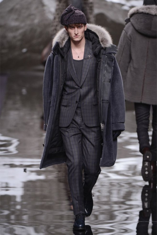 Louis-Vuitton-Fall-Winter-2013-2014-Mens-Ready-To-Wear-20-600x899