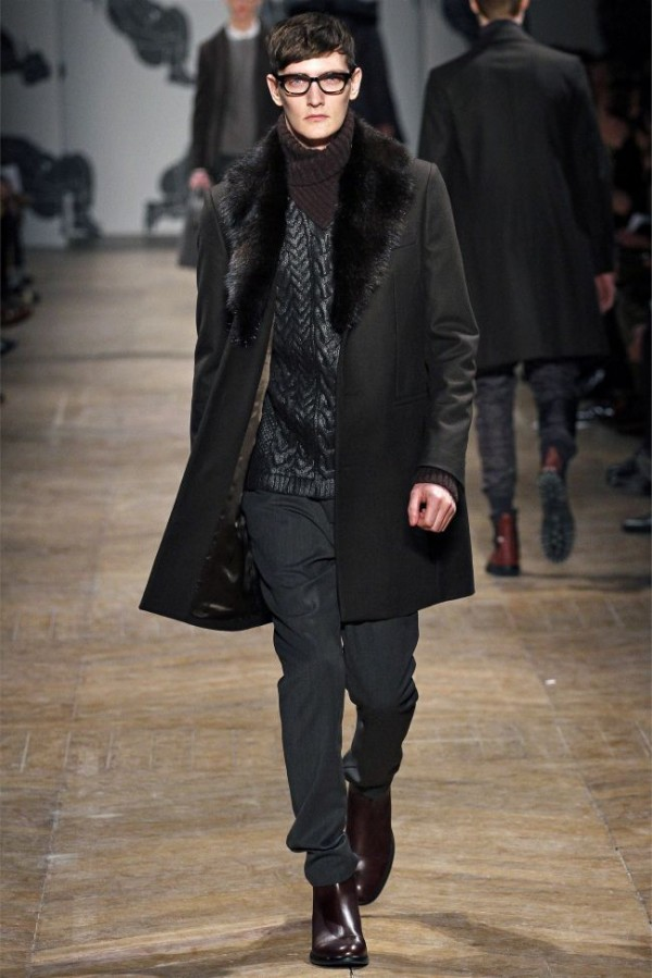 Viktor-Rolf-Fall-Winter-2013-2014-Mens-Colelction-16-600x899 - Copy
