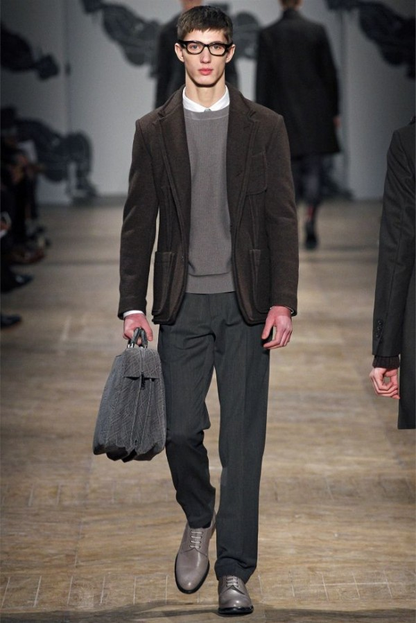 Viktor-Rolf-Fall-Winter-2013-2014-Mens-Colelction-17-600x899 - Copy