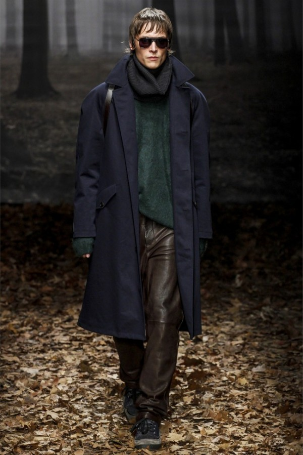 Trussardi-Fall-Winter-2013-2014-Menswear-12-600x899