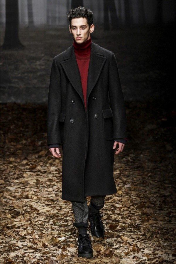 Trussardi-Fall-Winter-2013-2014-Menswear-3-600x899