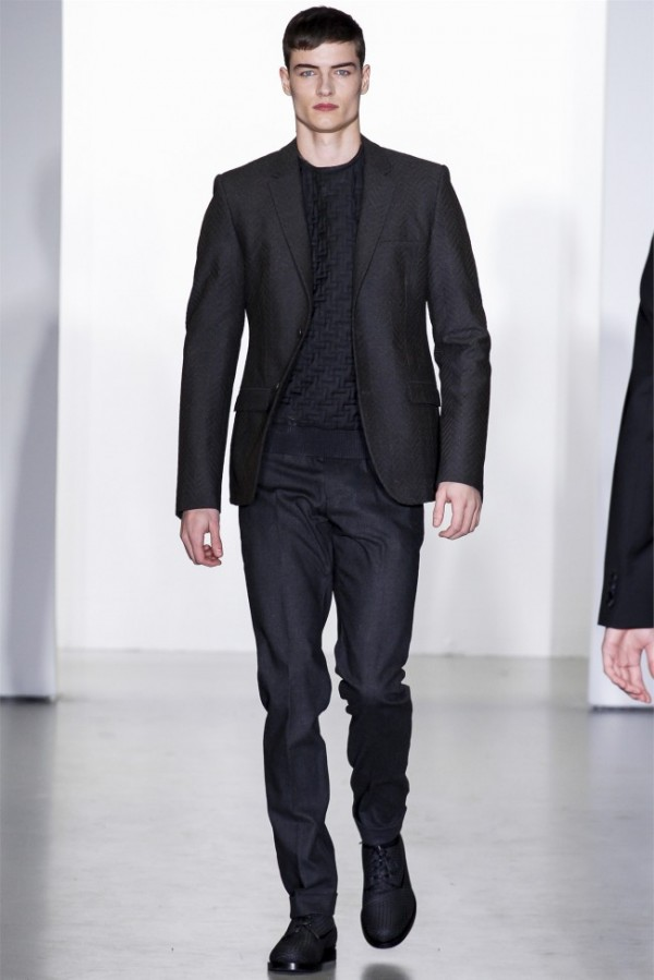 Calvin-Klein-Collection-Fall-Winter-2013-2014-Mens-Clothing-37-600x899